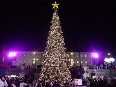 640px-Athens_Christmas_Tree.jpg